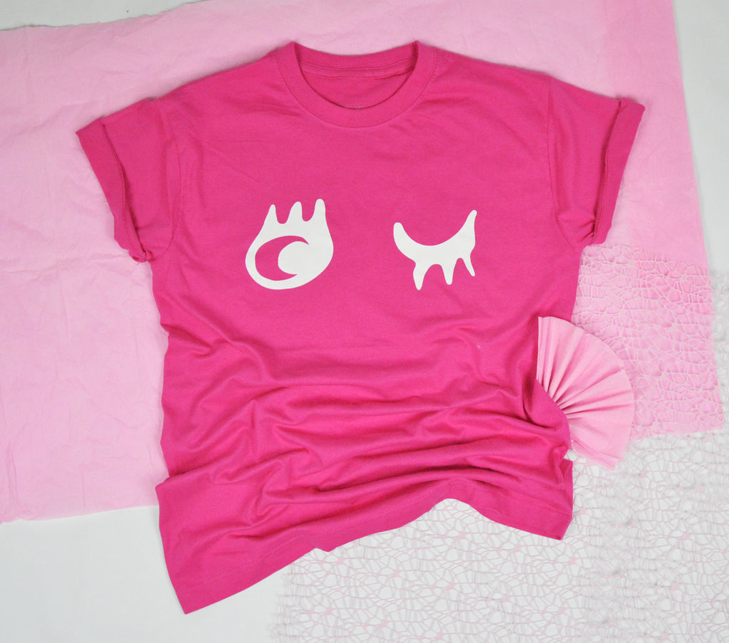 PINK-STER : ROUND NECK SHORT SLEEVE SHIRT WITH WINK EYE - PINK