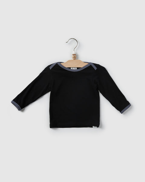 kai lap neck t-shirt | black