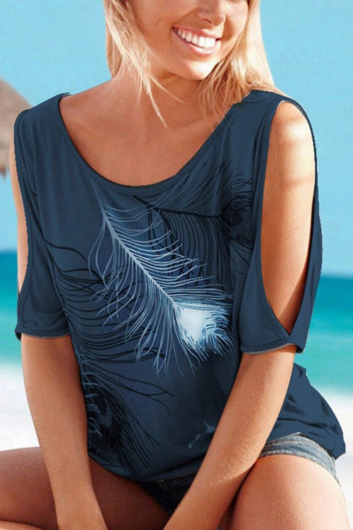 An off-the-shoulder feathered print T-shirt