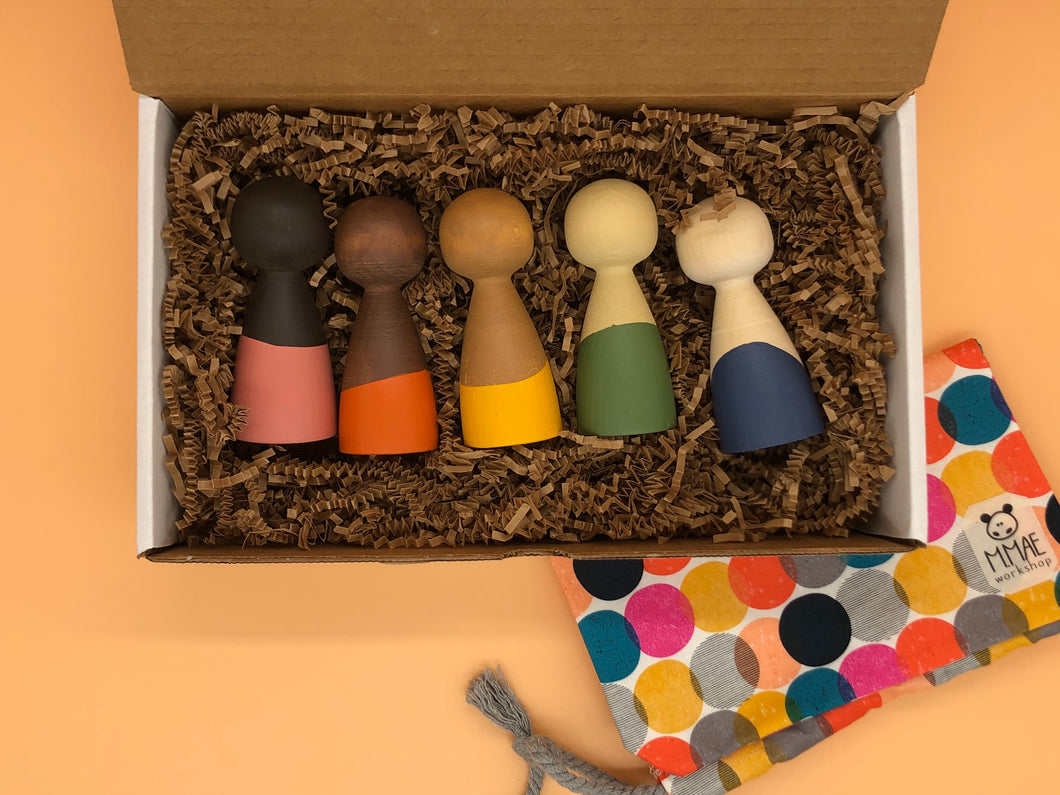 Earth Peg Doll Set - Things They Love