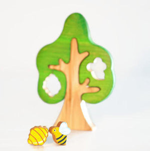 Tree w/ Bee and a Beehive - Things They Love