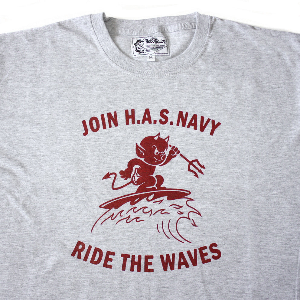 T-shirt. Ride the Waves. Grey