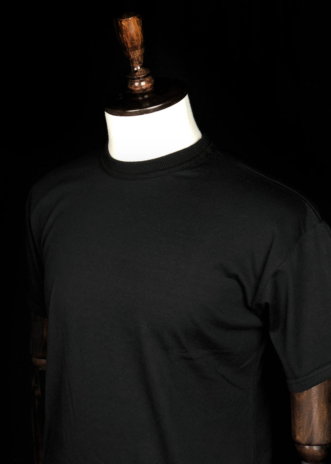 Basic T-shirt. Black