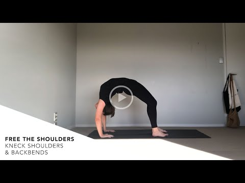 40min Yoga Flow: Free the Shoulders with Claire Eli