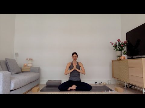 90min Grounding Vinyasa Yoga Flow with Samantha Shorter