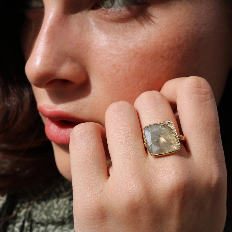 Model wearing Hand made in London Brooke Gregson 18k Gold Raw diamond Ring