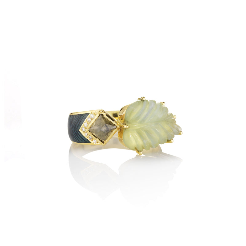 Hand made in London Brooke Gregson 18k gold Diamond Carved Aquamarine Leaf Enamel Ring