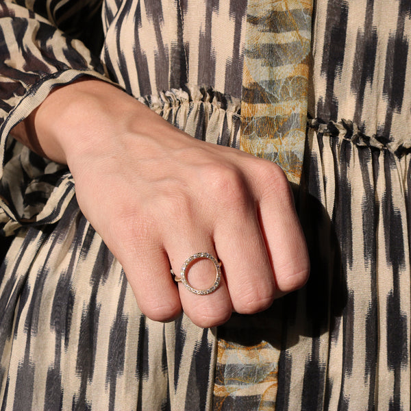 Model wearing Hand made in Los Angeles Brooke Gregson 14k gold white diamond pave Circle ring