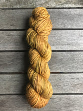 Load image into Gallery viewer, 8ply Merino 'Ginger Crunch'
