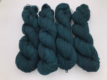 Load image into Gallery viewer, 4ply Bluefaced Leicester 'Wild Woods'