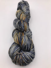 Load image into Gallery viewer, 8ply Silk/Merino 'Oneroa'