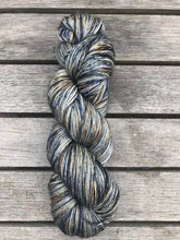 Load image into Gallery viewer, 4ply Silk / Merino 'Oneroa'