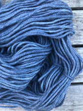 Load image into Gallery viewer, 12ply Merino / Cashmere 'Sapphire & Steel'
