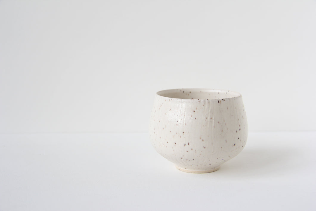 Tea bowl - speck - combed