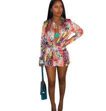 Load image into Gallery viewer, New spring/summer 2019, fashionable African clothes, fashion prints, long-sleeved shirts, sexy shorts, two-piece sets,