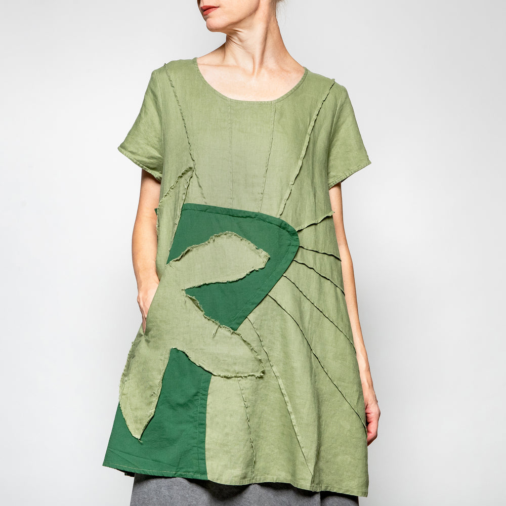 Peacock Ways Cap Sleeve Pullover Tunic in Apple Green