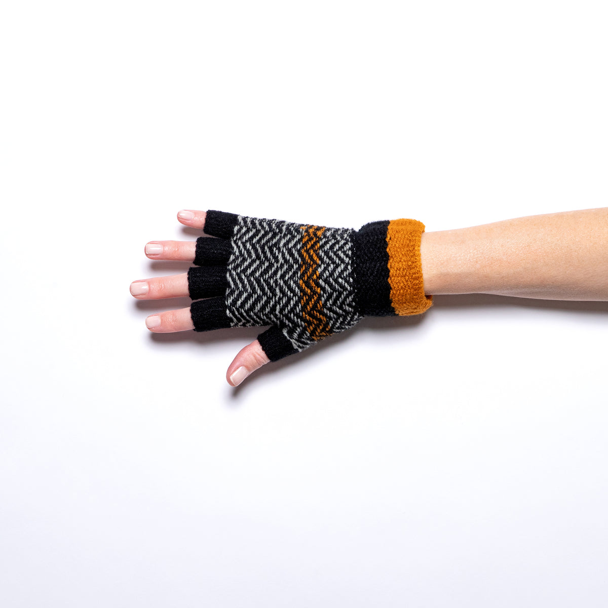 Jeanne Simmons Knitted Fingerless Glove in Black