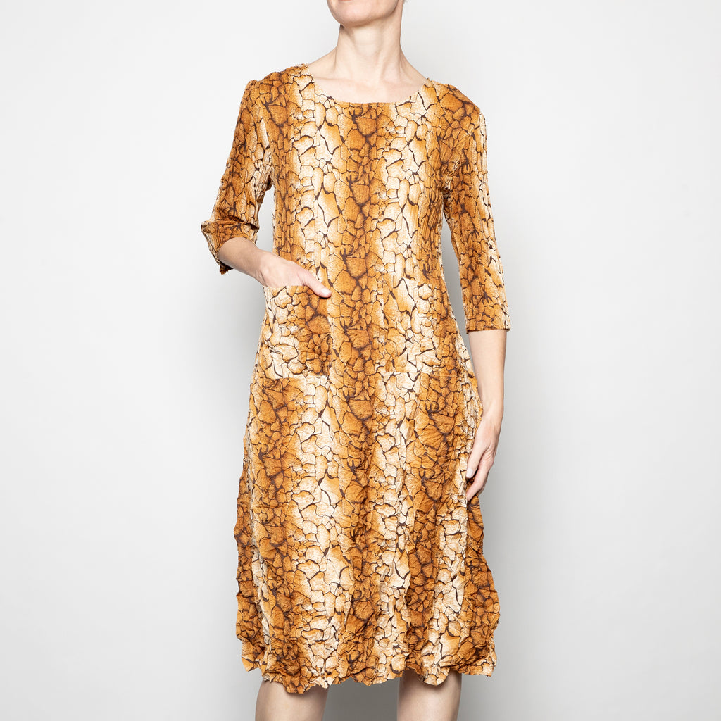 Alquema 3/4 Sleeve Smash Dress in Golden Bark
