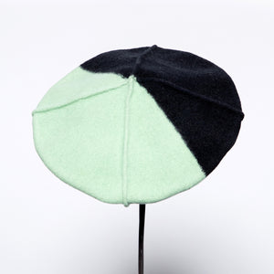 Anytra Floriten Beret in Black/Green