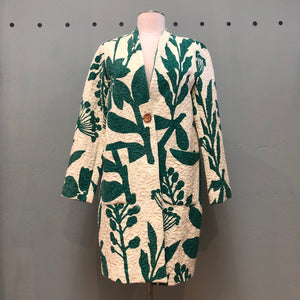 Nice Things long green floral printed blazer with one button center closure and path pockets
