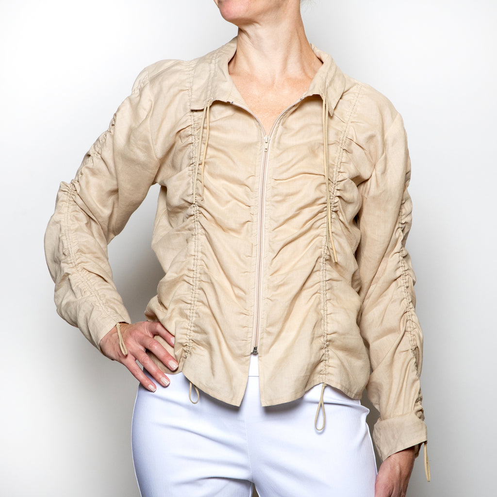 Hanna For La Journee Rushed Linen Jacket in Beige