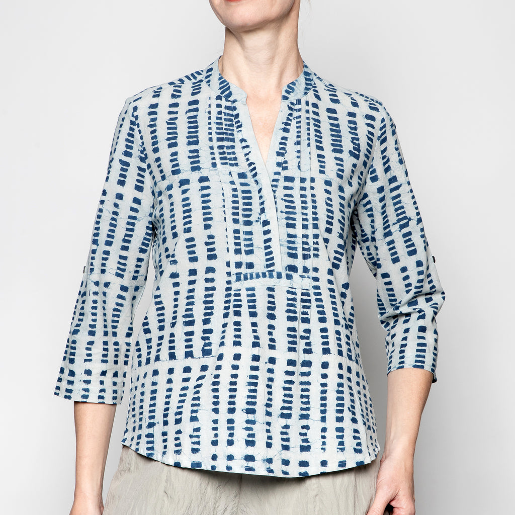 Yaza Kushi Tunic Top in Indigo Box Print