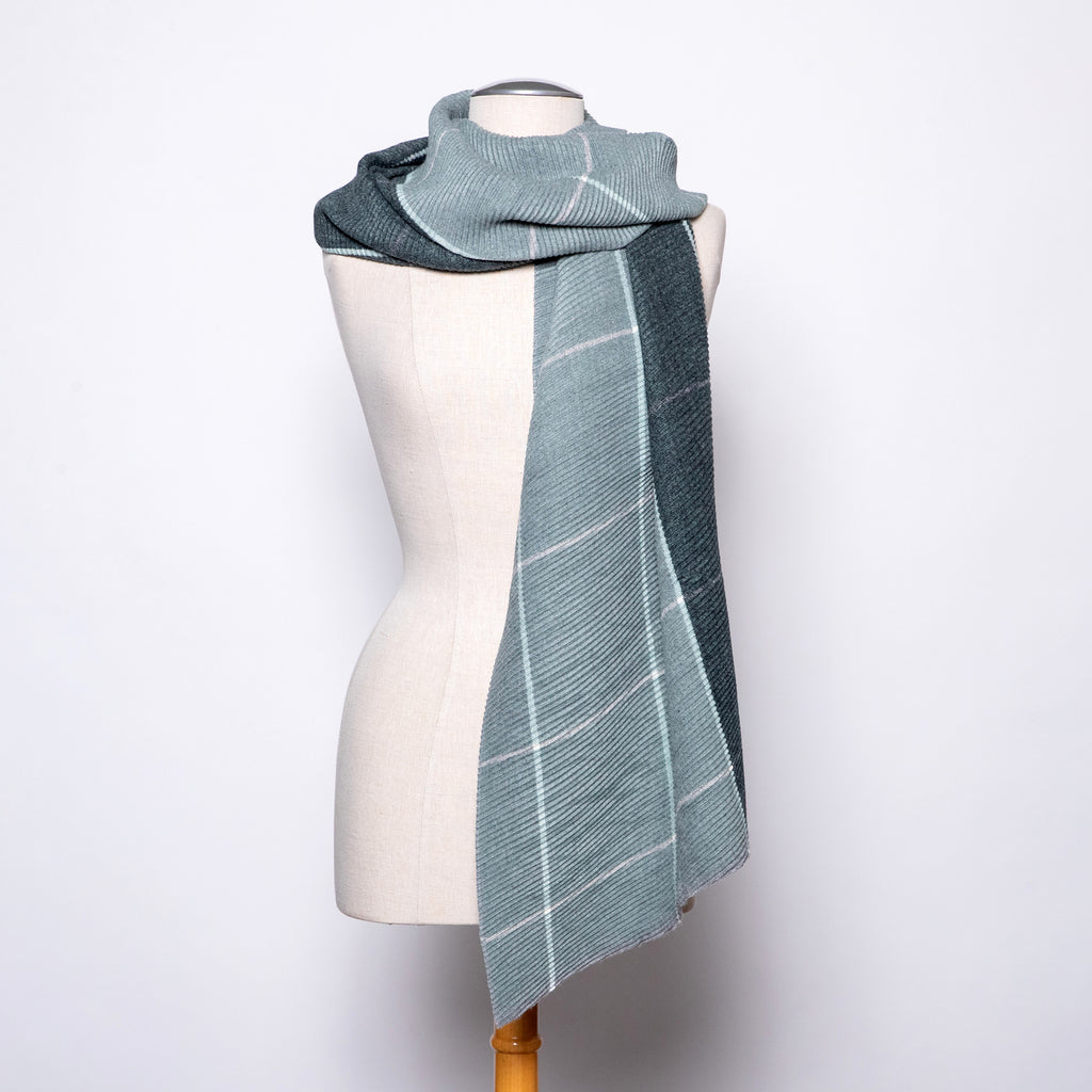 Pretty Persuasions Modern Plaid Scarf in Pistachio