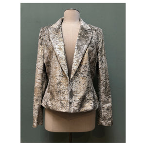 Metallic fabric weaved fitted blazer with notched collar and front closure