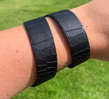 Load image into Gallery viewer, Black snake print geometric leather bracelet