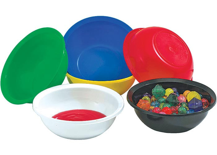 Example of Roylco Classroom Bowls being used with art supplies
