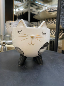 UG129518-Spotted Cat Planter with Legs Monochrome