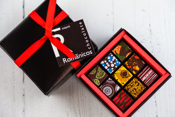 9 fine dark chocolate art bonbons of assorted flavors, handcrafted with Venezuelan Cocoa, the best of the world. Vegan flavors are available. Nationwide Delivery.