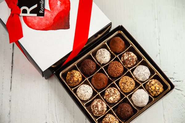 16 dark chocolate Truffles and a beautiful I Love You Art Cover. Handcrafted with 70% Venezuelan Cocoa. Choose between our single layer, double layer, or mixed layer with our chocolate art bonbons. Nationwide Delivery.