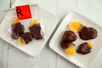 Crystalized and sugar-coated pieces of ginger dipped in dark chocolate, made with 70% Venezuelan Cocoa. Suitable for vegans, dairy, and gluten-free. 40 gr of addictive flavors.