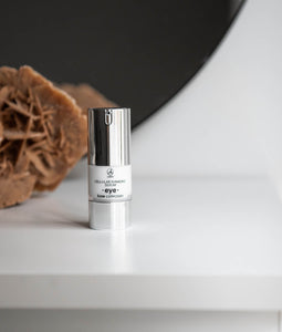 LUXE COLLECTION ANTI-AGING SZEMRÁNC SZÉRUM GYÉMÁNTPORRAL 20 ML