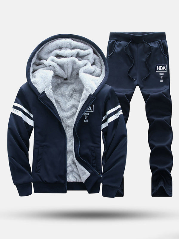 Men Fleeced Letter Print Hooded Sweatshirt and Pants Set
