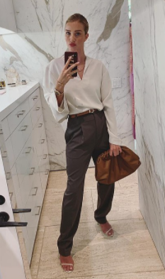 Rosie Huntington-Whiteley rocking a cloud pouch