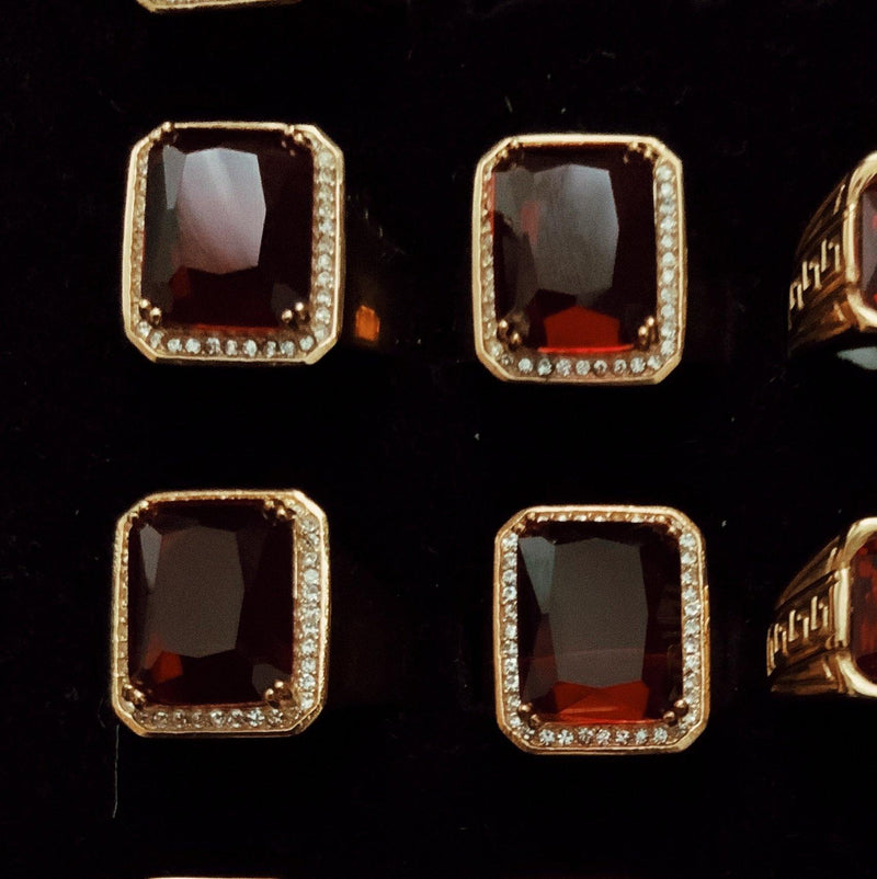 COCOA ARI - Ruby Queen Ring