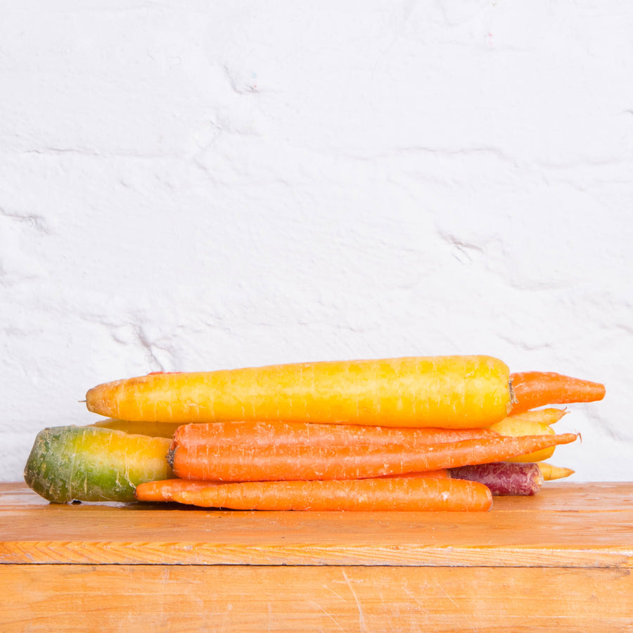 Organic Rainbow Carrots - 1 Pound