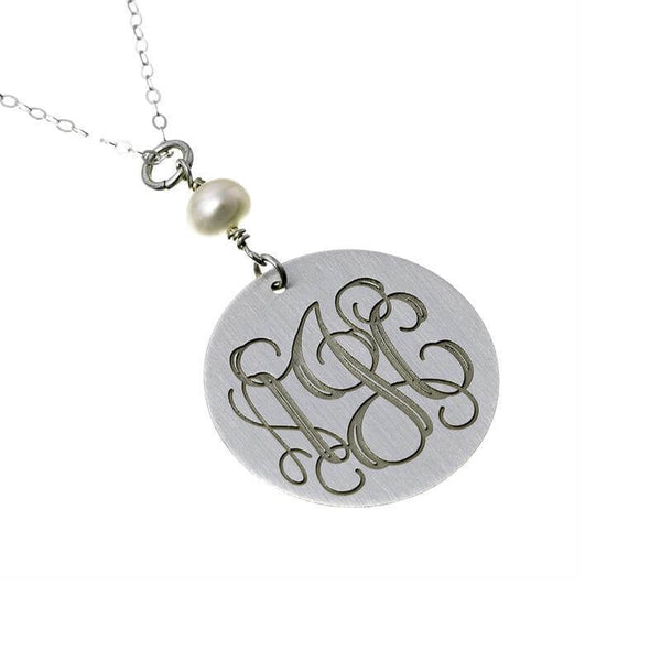 Engraved Circle Monogram Necklace with Pearl - customgiftsmall
