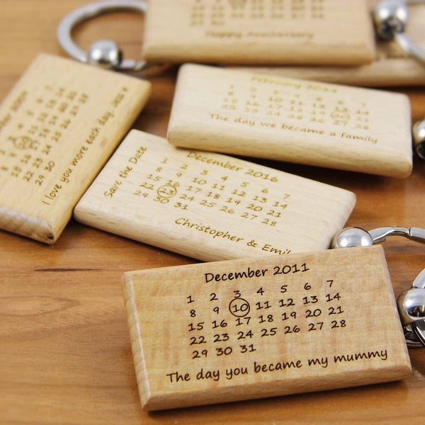 1pcs Christmas Gift Personalized wooden keychain calendar anniversary gift custom engraved keychains gift for him