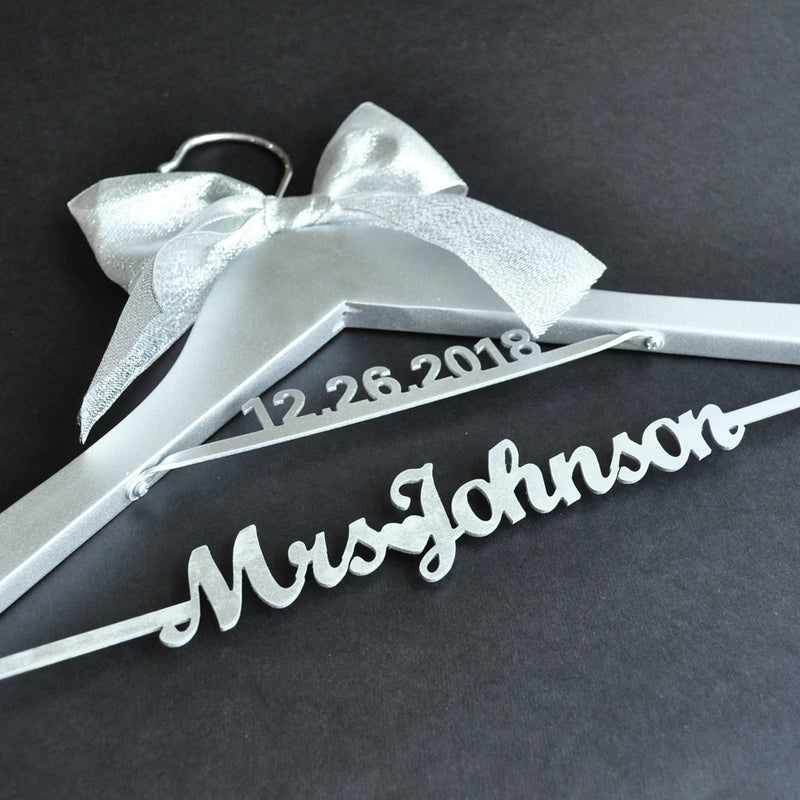 Silver Wedding Hanger Bridal Dress Mrs Name Hanger, Personalized Bride Bridesmaid Hanger with Date, Bridal Shower Gift