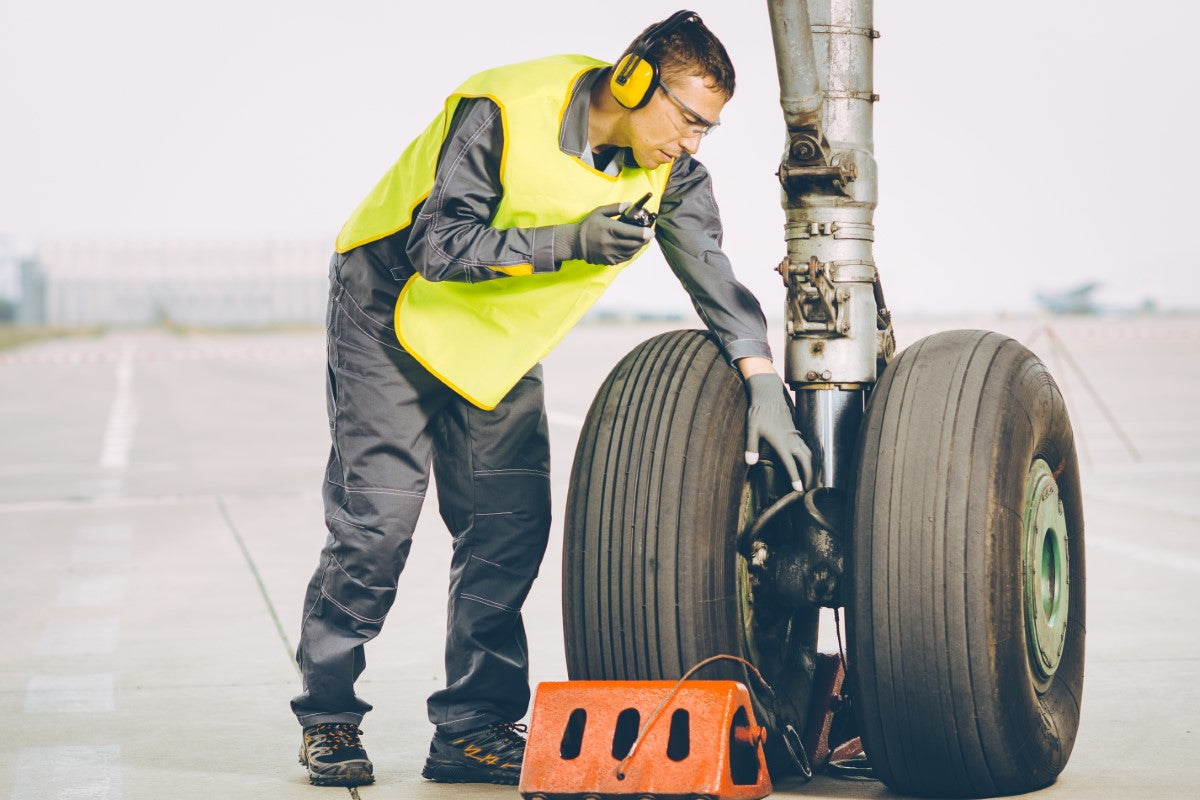 Airport Grounds Crew Member: Winter Tips for Staying Warm