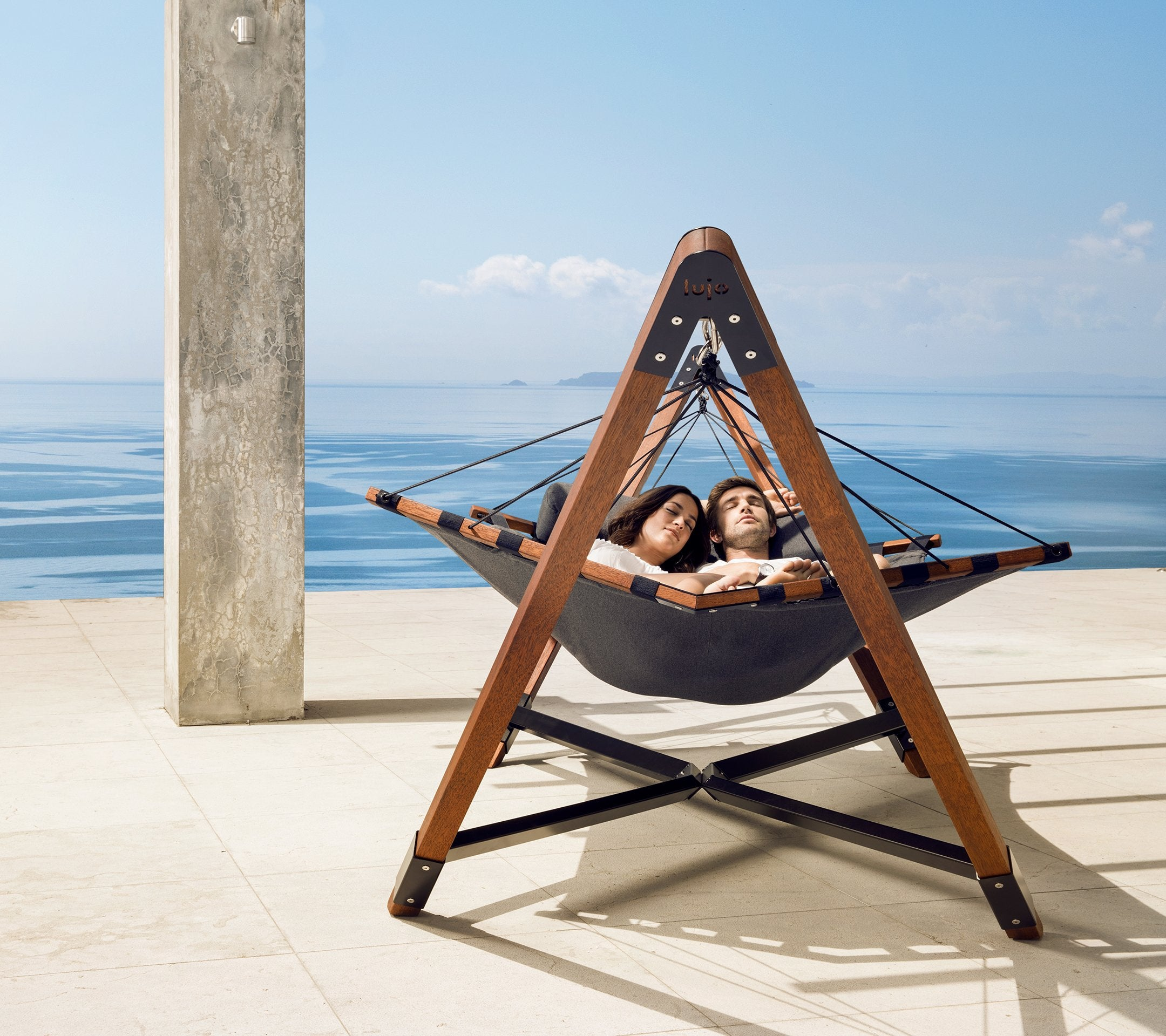 Free Standing Hammocks. - Luxury Free Standing Hammocks With Wood Stands – Lujo Living