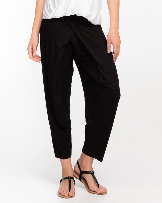 Black loose fit post-maternity pants by Peachymama 3