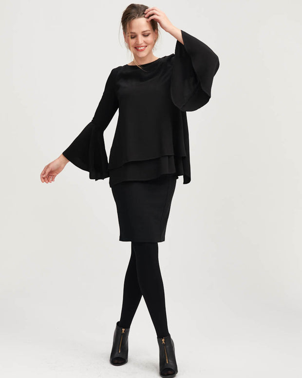 Breastfeeding top with frilled sleeves in black colour by Peachymama 2