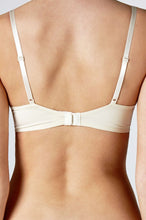 Load image into Gallery viewer, Calvin Klein Womens Seductive Comfort Customised Lift Bra Ivory