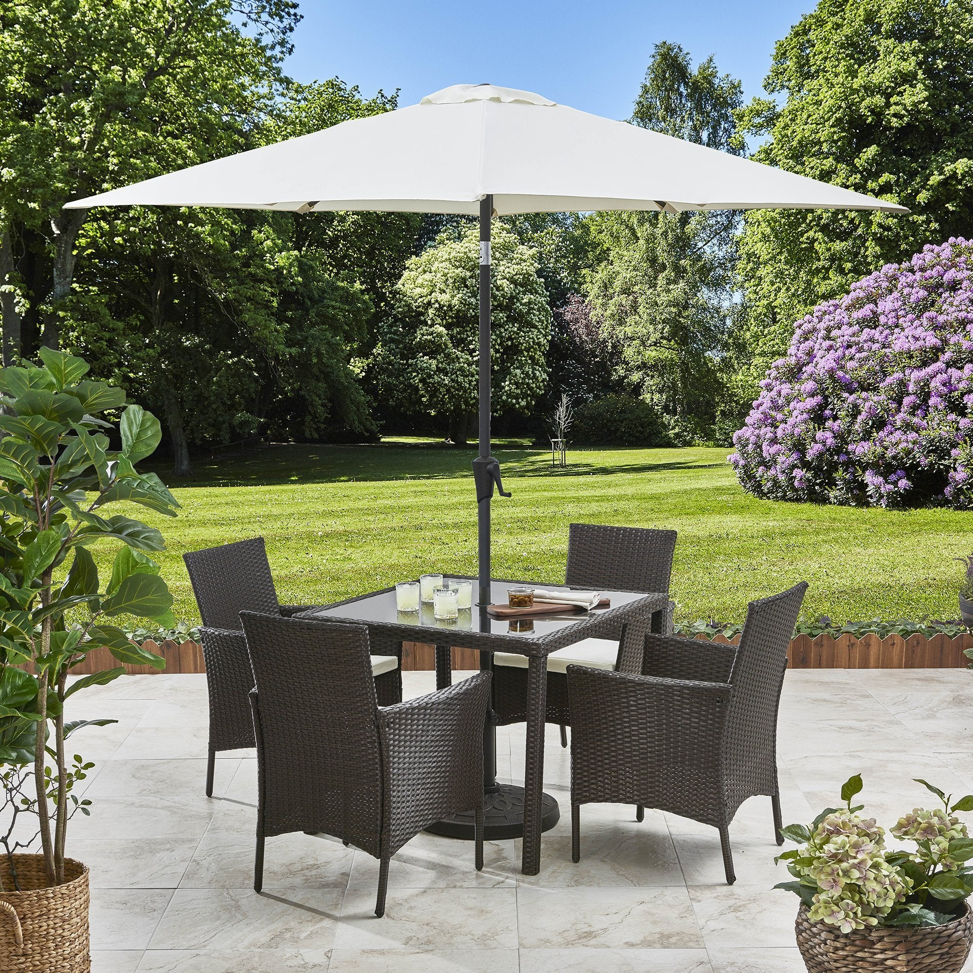 4 Seater Rattan Dining Set with Parasol - Rattan Garden Furniture - Brown - Laura James
