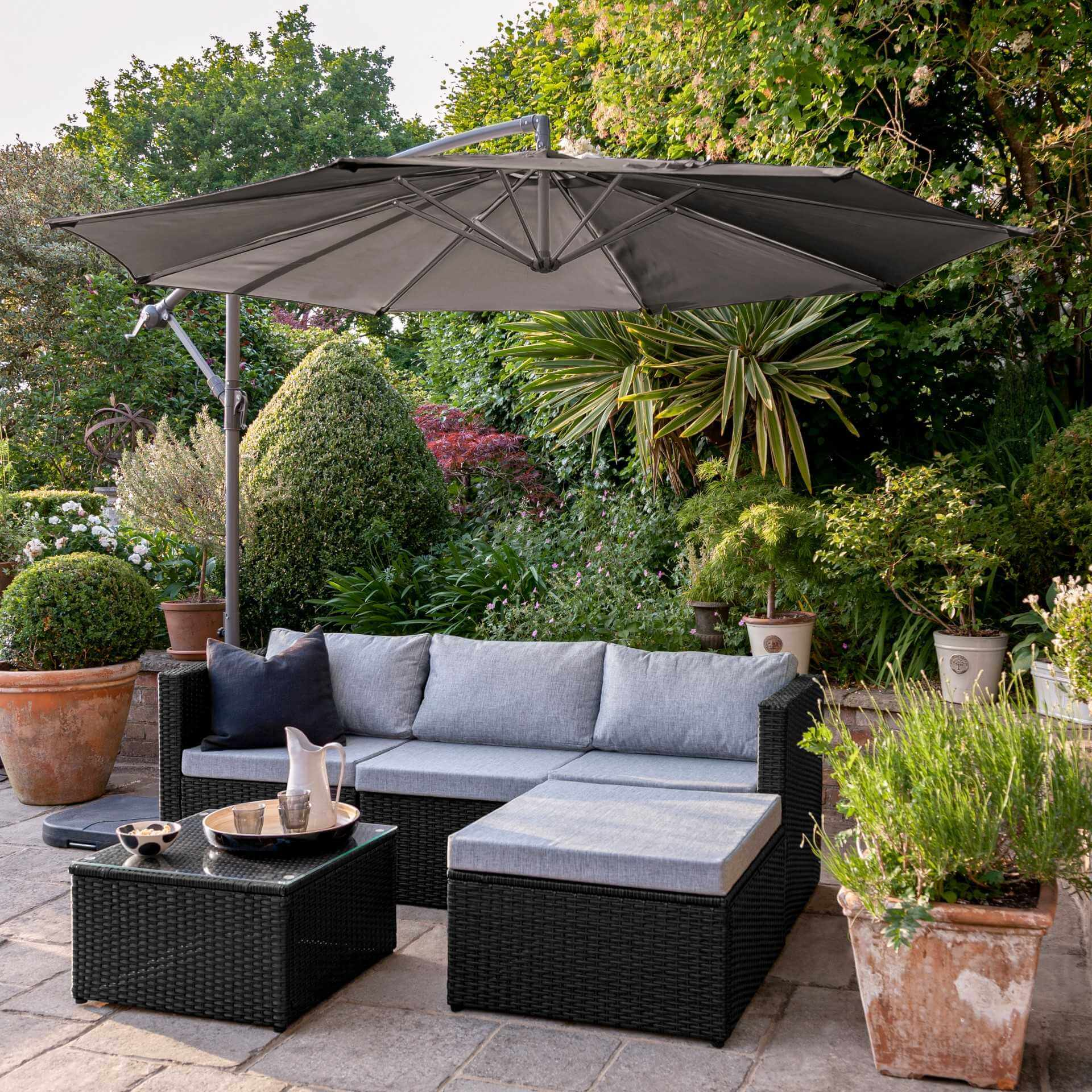 4 Seater Rattan Corner Sofa Set with Lean Over Parasol and Base - Black Weave
