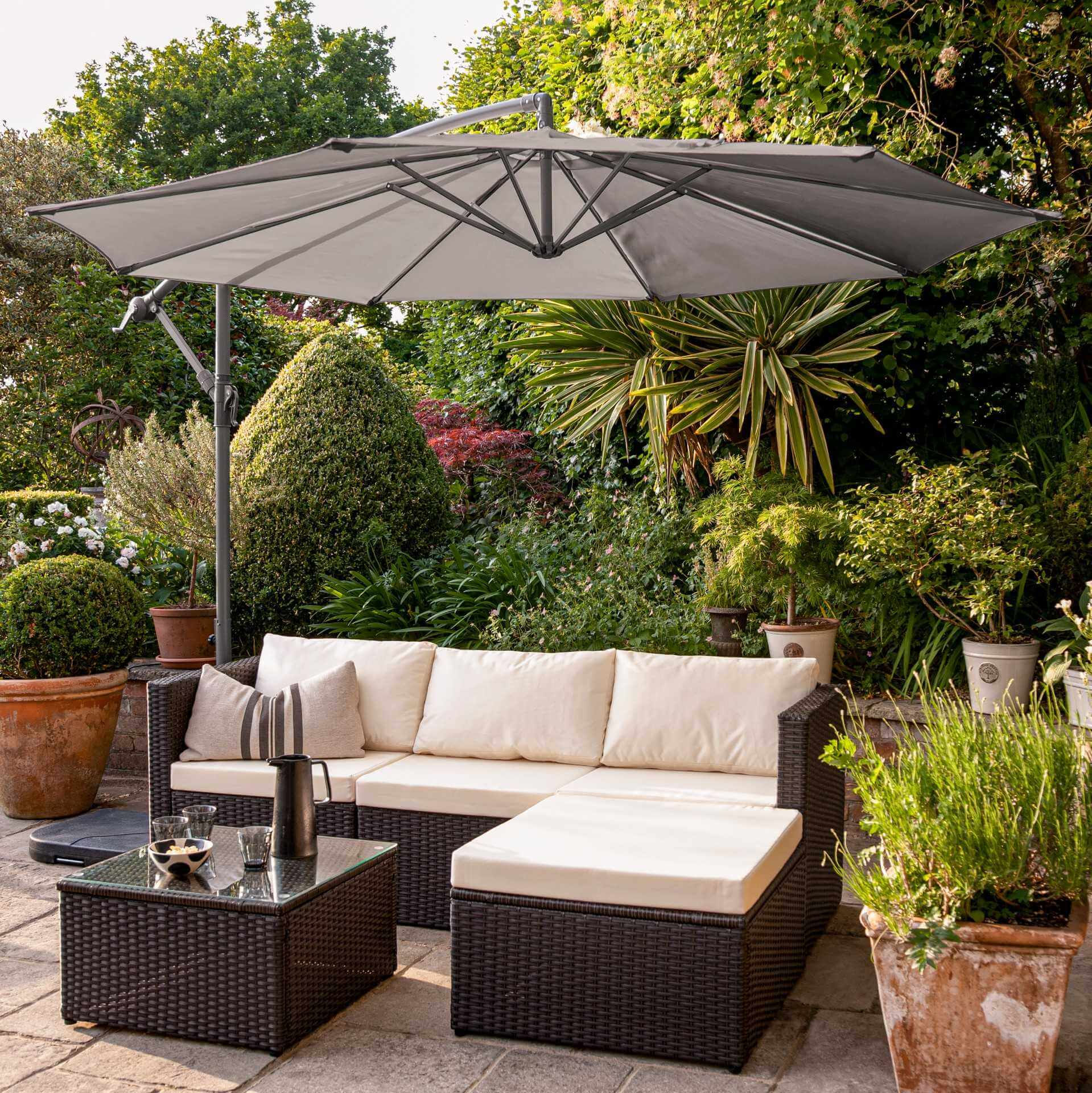 4 Seater Rattan Corner Sofa Set with Lean Over Parasol and Base - Brown Weave